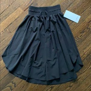 Lululemon the everyday skirt black 2